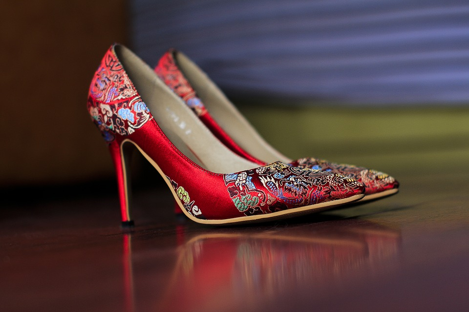 chinese red shoes